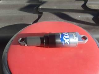 Продам воздушно масляный амортизатор Fox Float rasing Shox 6