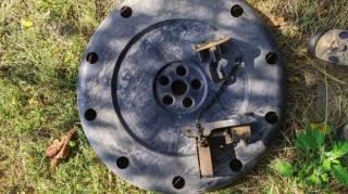 Механизм подъема запасного колеса Mitsubishi 4260a016 + защита запаски 4