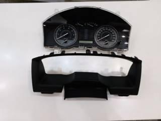 Панель приборов. Спидометр Toyota Land Cruiser 200 2008г. Бензин 4