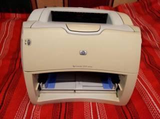 Принтер лазерный HP Laserjet 1200 Отличный