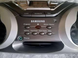 Продам кассетный магнитофон Samsung RCD-S50 2