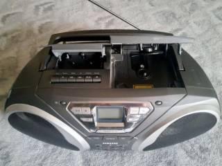 Продам кассетный магнитофон Samsung RCD-S50 3