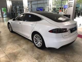 Продаётся Tesla Model S 75 5