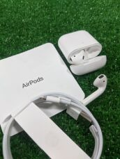 Apple AirPods 2 with Charging 2