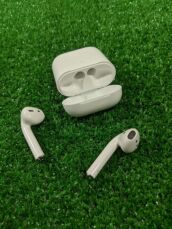 Apple AirPods 2 with Charging 4