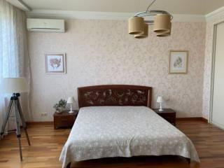 Срочно продам квартиру возле парка Победы