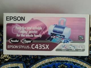 Продам цветной принтер 2