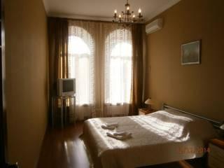 Долгосрочно, Екатериненская/Дерибасовская, 2 спальни и кухня-гостиная. 3