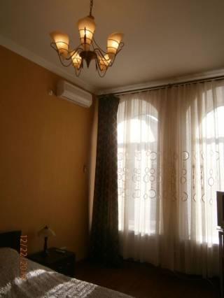 Долгосрочно, Екатериненская/Дерибасовская, 2 спальни и кухня-гостиная. 4