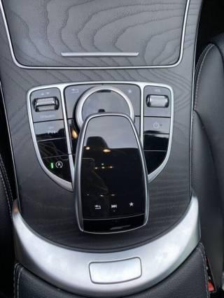 СРОЧНО продам свой автомобиль Mercedes C200 10