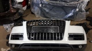 Запчасти AudiQ7 морда фари крилья капот бампер 9