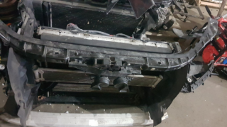 Запчасти AudiQ7 морда фари крилья капот бампер 8