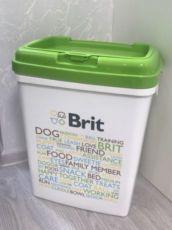 Контейнер для корма Brit