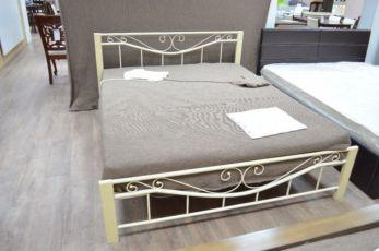 Металлическая кровать. Кованая кровать. Железная кровать. + дерево