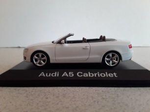 Модель автомобиля Audi A5 Cabriolet 1:43 (Schuco)