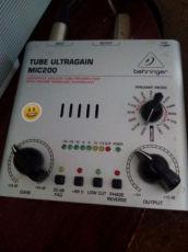 Преамп Микрофонный предусилитель Behringer Tube Ultragain MIC200
