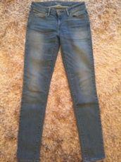 Женские джинсы Levis, 26 размер