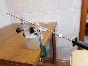 Точилка для ножей с поворотным механизмом