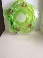 Продається круг для купання немовлят.