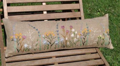 Подушка Луговые травы. 25х70. Ручная вышивка.