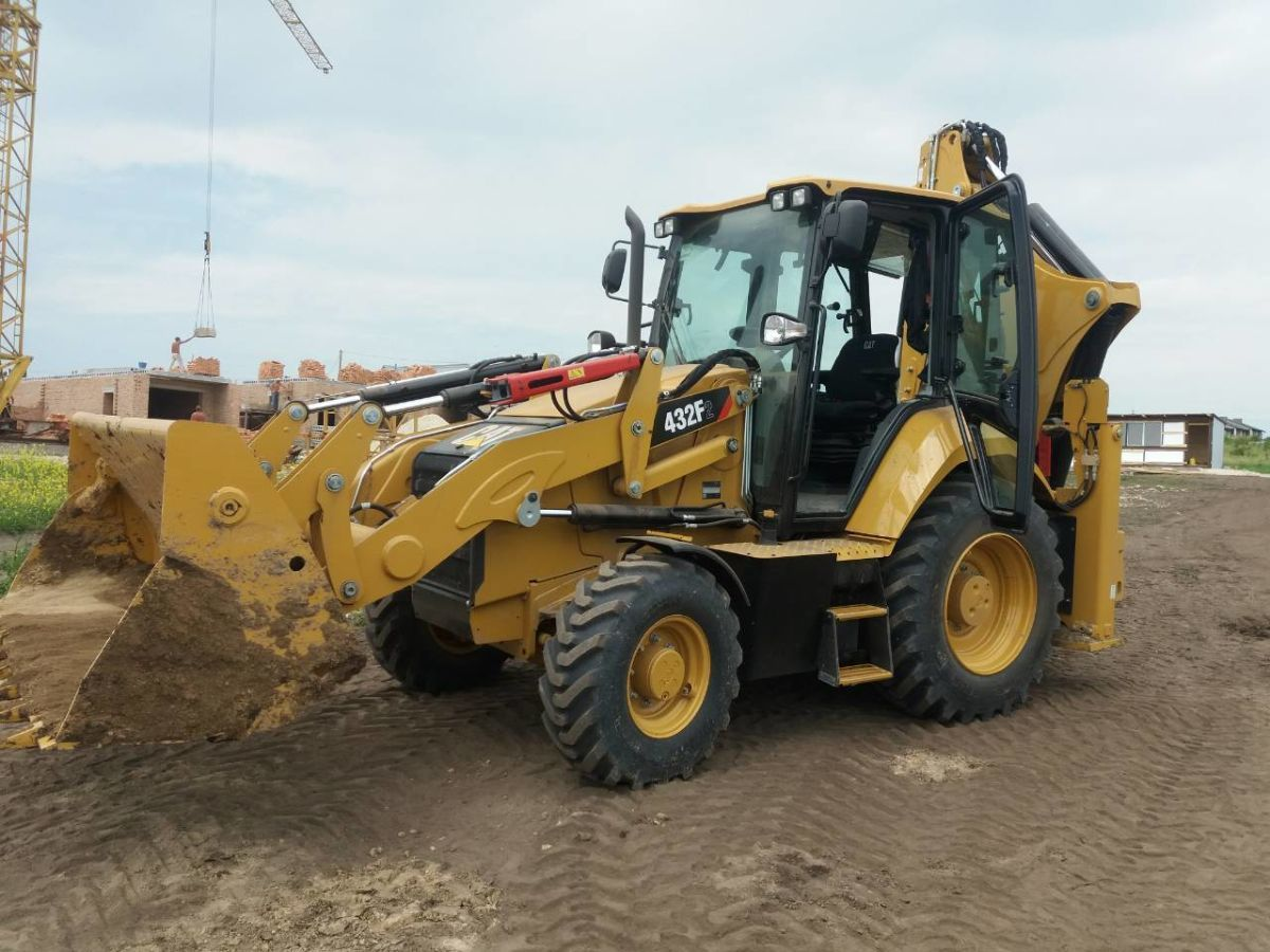 Оренда Экскаватор Погрузчик CATERPILLAR Cat 432 f