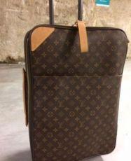 Дорожный чемодан Louis Vuitton. Оригинал.
