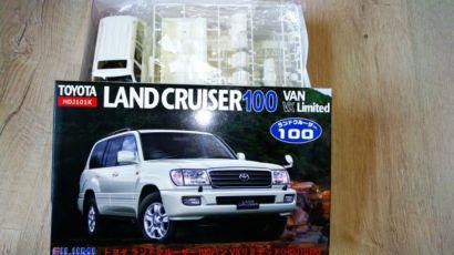 Сборная модель Toyota Land Cruiser 100 Fujimi 1/24