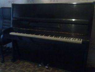 Продам пианино Украина б/у