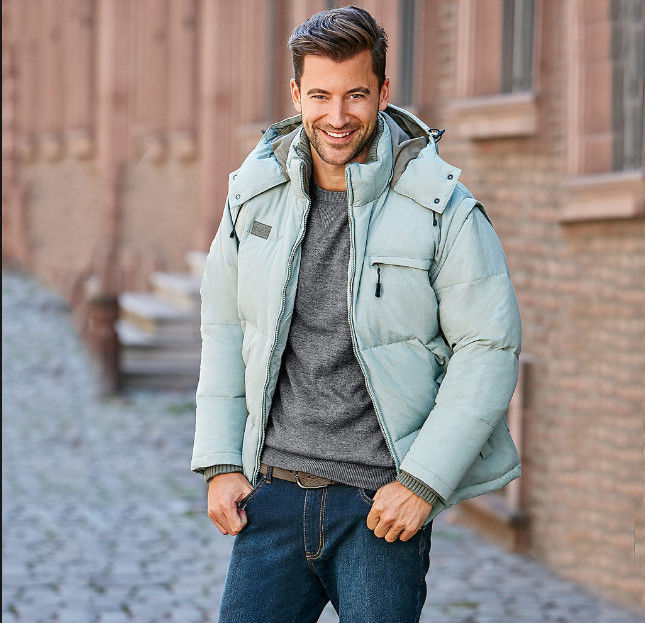07ecc4047304 Зимняя теплая качественная фирменная мужская куртка-жилетка FILA  1 ...