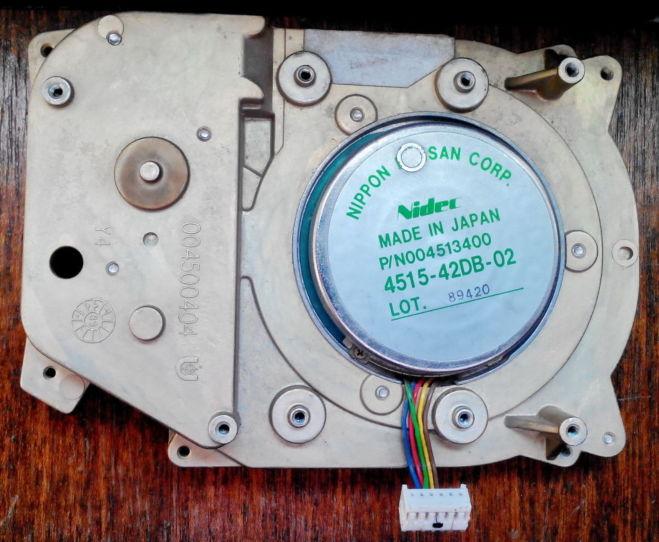 Продам шаговый мотор Nidec 4515-42DB-02 от старого винчестера 3.5