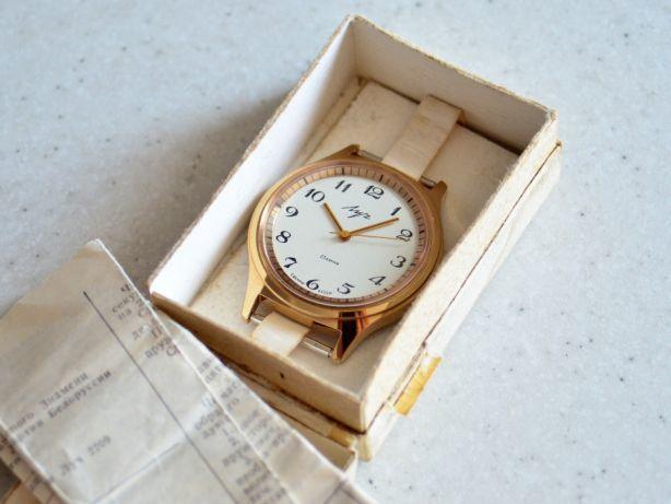 f5c54ec5 Советские механические позолоченные часы Луч. Сделано в СССР Ау20: 2 ...