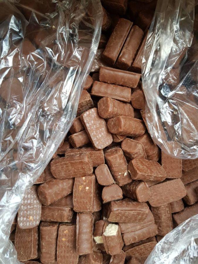 Продаём шоколадные конфеты,ирисы и пастилу