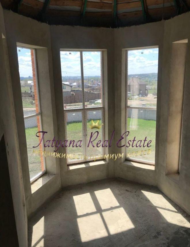 Без комиссии! продам дом 360м большие окна (второй свет) в коттеджном