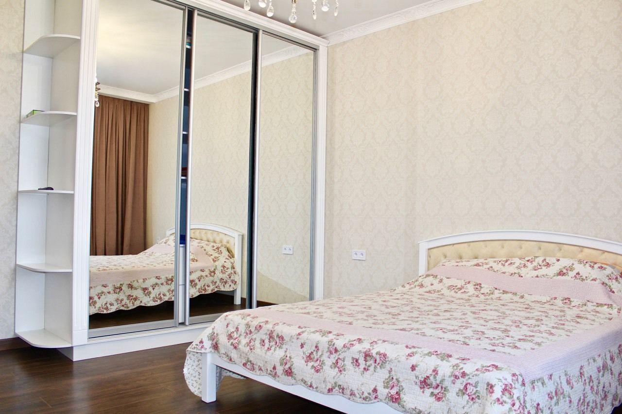 Сдам кухня-студия+спальня апельсин  55м