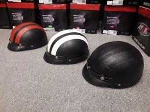 Шлем каска с козырьком, мото, для байкера, черный, мотошлем, кожаная