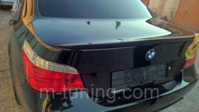 Спойлер накладка на крышку багажника сабля липспойлер тюнинг BMW E60