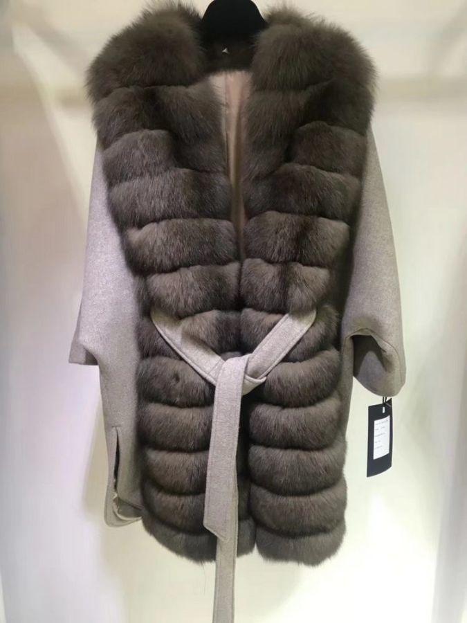 Пальто Loro Piana 100% кашемир, натур.песец