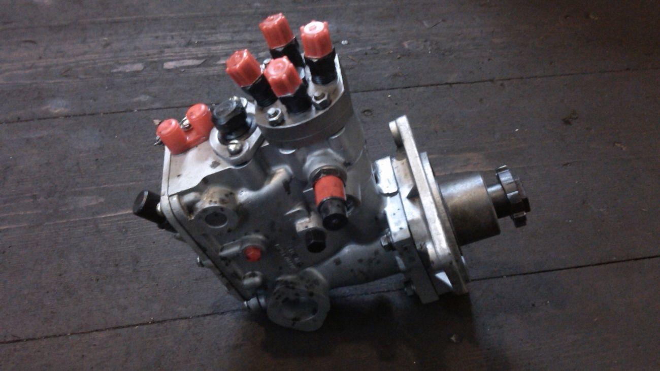Топливный насос ТНВД Т-40 (Д-144) 4УТНИ-1111005 рядный