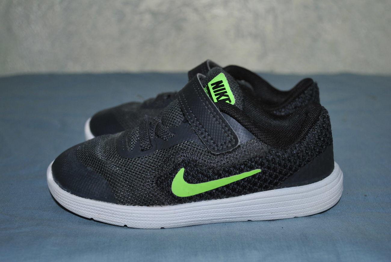 053606e6 Лот №0775 Детские кроссовки Nike Revolution 3 (размер 25): 350 грн ...