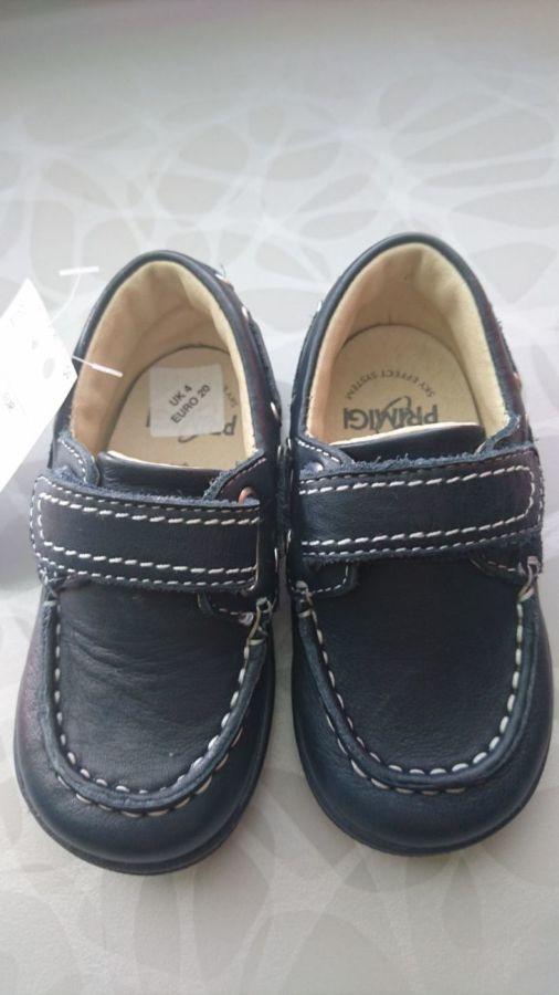 Продам туфли на мальчика 20 размер
