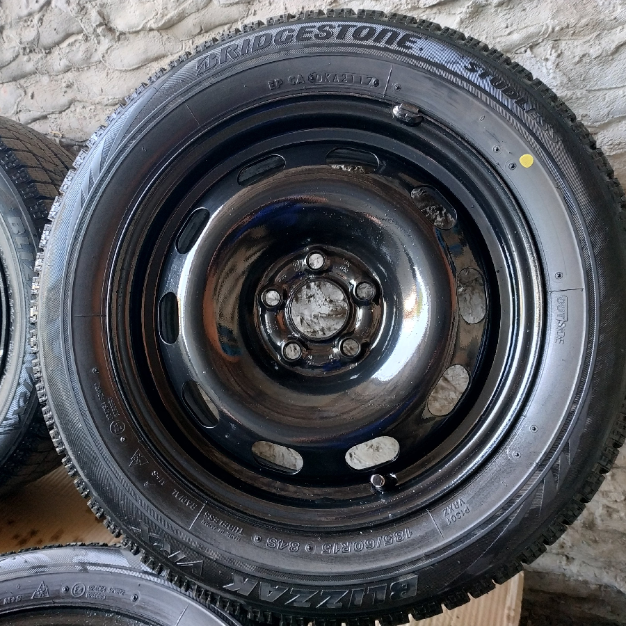 Зимняя резина Bridgestone Blizzak VRX 185/60 r 15. Дата 05.2017