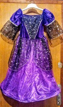 Платье на праздник .9-10 лет