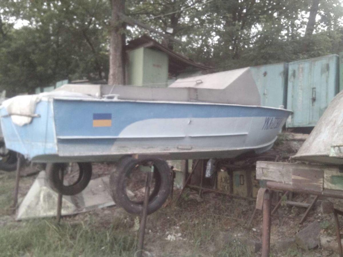 Лодка прогресс-2 с мотором вихрь-30 в полной комплектации. Место на ро