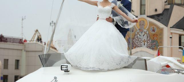 Продам свадебное платье, покупала в салоне