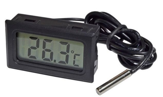 Цифровой термометр с выносным датчиком, Б210