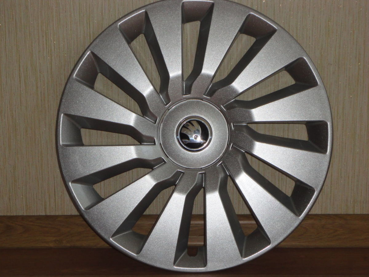 Продам Оригинальные колпаки Skoda Octavia A7 R16 Шкода Октавиа А7 R