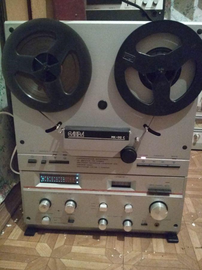 Катушечный магнитофон Санда МК 012 стерео на пломбах практически новый