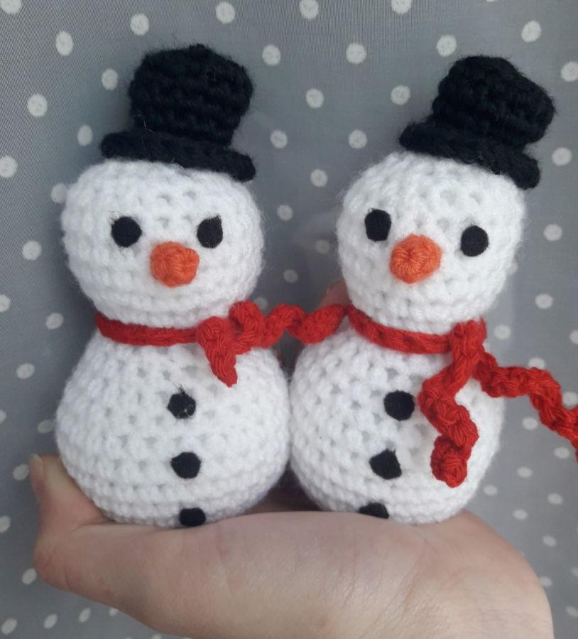 Детская мягкая, вязанная игрушка Снеговик
