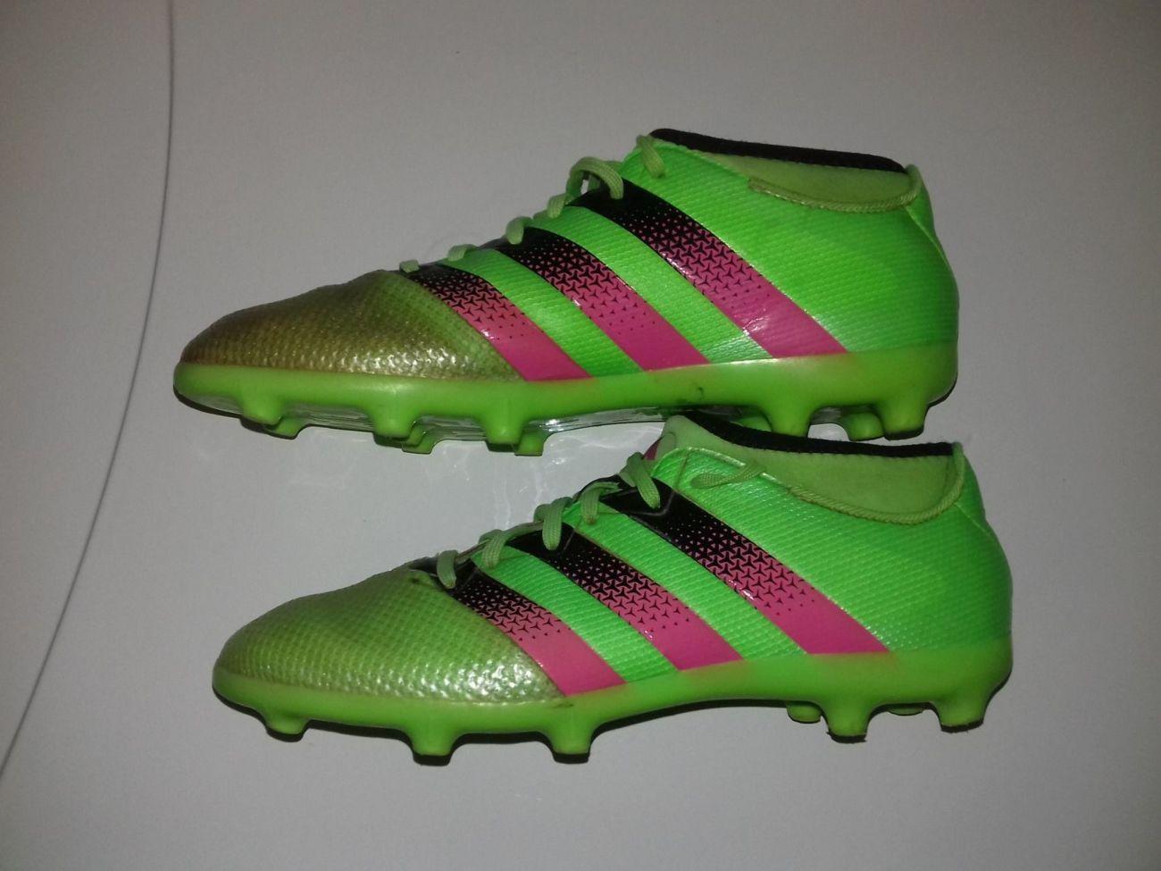 Продам оригінальні бутси Adidas  250 грн. - Игры с мячом Костополь ... 0f9cffa6c72b3