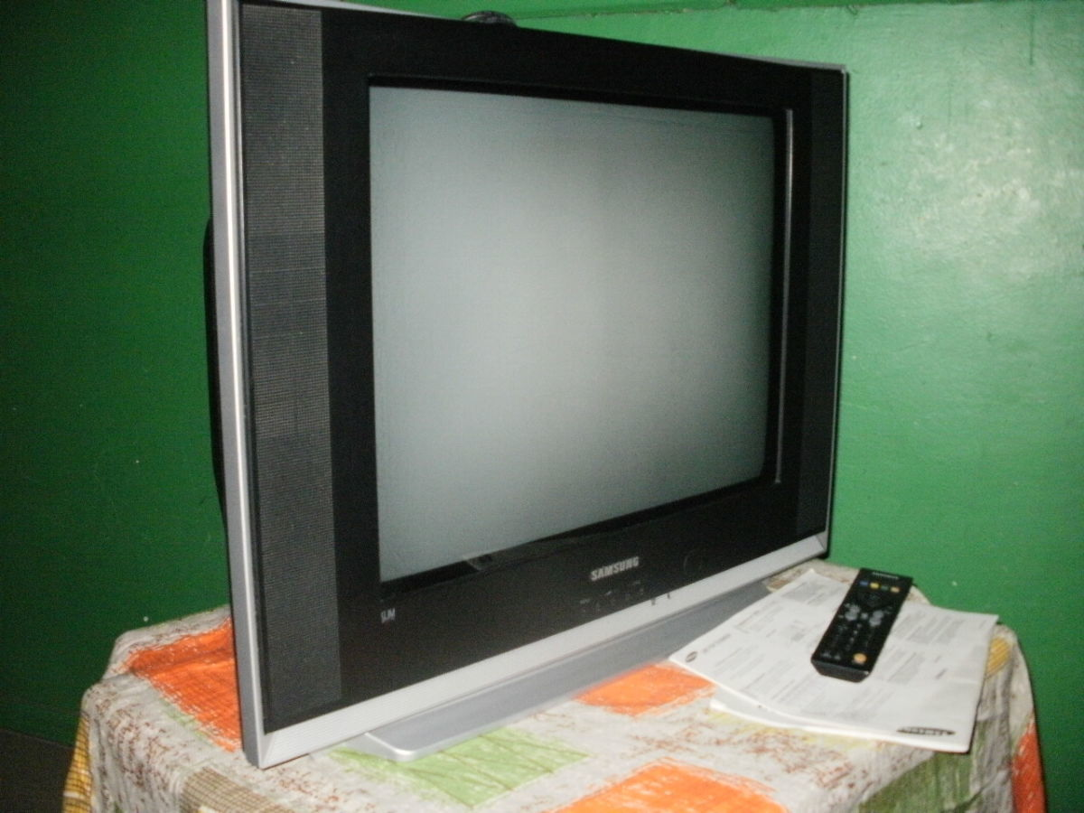 Телевизор SAMSUNG Super Slim,54cm,пульт Д/У.Корея.Плоский экран.